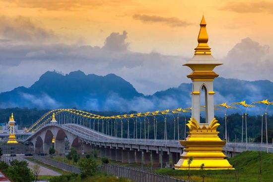 ผลการค้นหารูปภาพสำหรับ สะพาน มิตรภาพ ไทย ลาว แห่ง ที่ 4