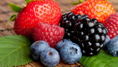Food_Berries__fruits__nuts_Sweet_berries_032125_-1024x640